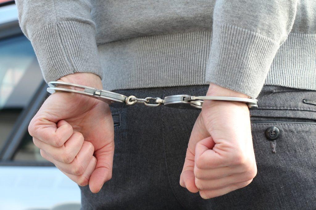 17 дальневосточных компаний нелегально работали страховыми брокерами